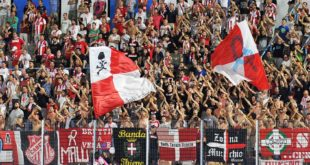 La curva dei tifosi biancorossi in occasione della partita Spal-Vicenz