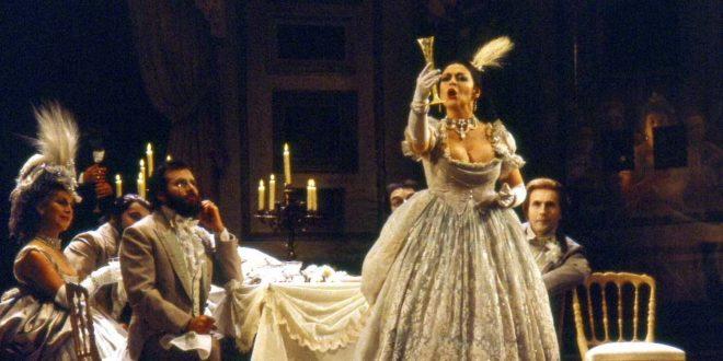 La soprano Catherine Malfitano nel 1980, nei panni di Violetta, nella Traviata di Giuseppe Verdi - Foto di Claude Truong-Ngoc (CC 3.0)