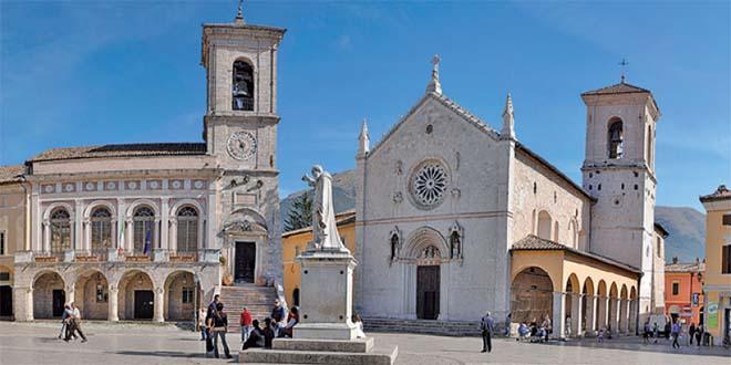 La Basilica di San Benedetto, a Norcia, come era prima del sisma di stamane che la ha distrutta