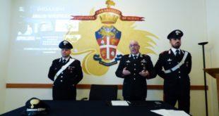 Al centro il capitano Vincenzo Gardin, comandante della compagnia carabinieri di Schio
