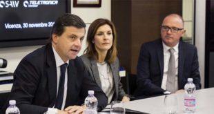 Da sinistra il ministro Calenda, Alessandra Moretti e Alessandro Bregolato, presidente di Saiv Group
