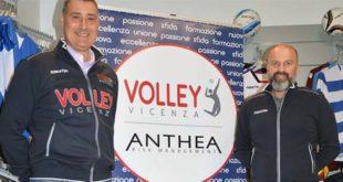 Luca Milocco (a sinistra) assieme al presidente del Volley Vicenza Andrea Ostuzzi