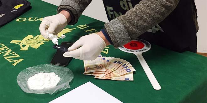 Il materiale sequestrato dalla Guardia di finanza