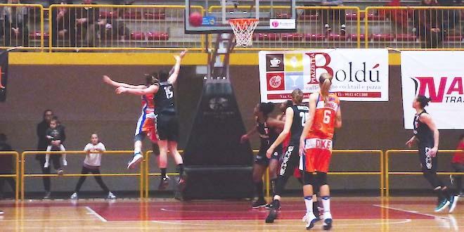 Basket, esordio vincente di Procaccini col Famila