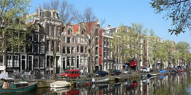 Uno scorcio di Amsterdam, la capitale dei Peesi Bassi - Foto di Patrick Clenet (CC BY-SA 3.0)
