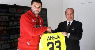 Il nuovo portiere del Vicenza Marco Amelia con il presidente Alfredo Pastorelli