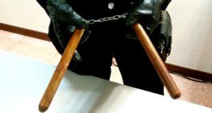 Il nunchaku sequestrato dai carabinieri