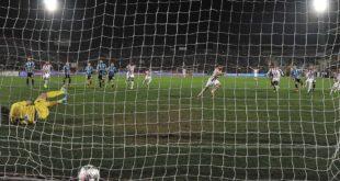 Il gol della vittoria del Vicenza sul Pisa, su calcio di rigore trasformato da Urso