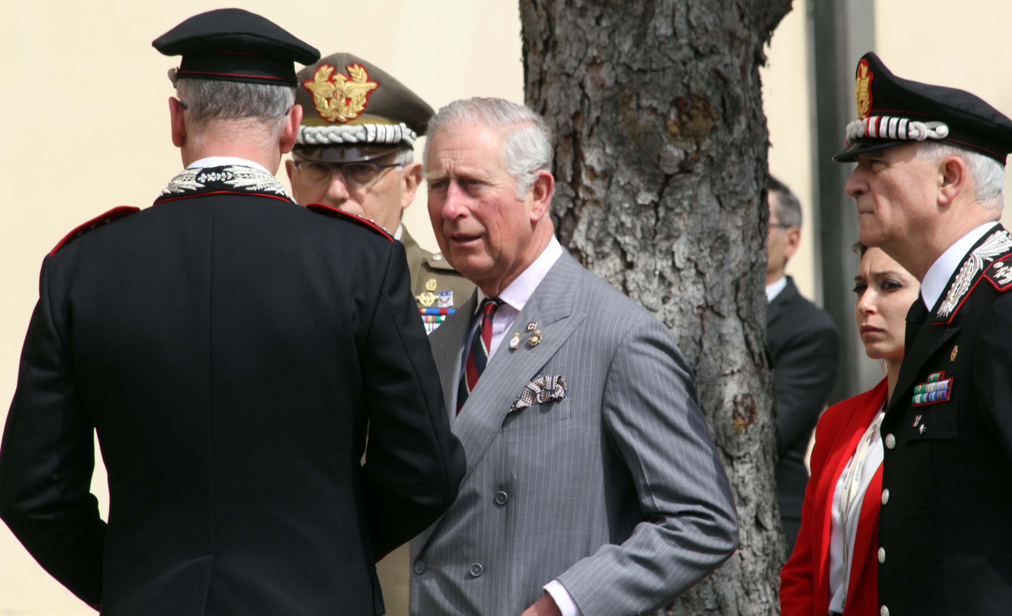 Amatrice, il principe Carlo in visita nella zona rossa