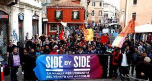 La manifestazione Side by Side, che si è tenuta a Venezia il 19 marzo (Fonte foto: www.globalproject.info)