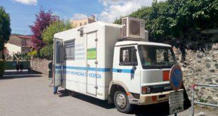 Mezzo mobile di Arpav per il monitoraggio della qualità dell'aria. Immagine d'archivio