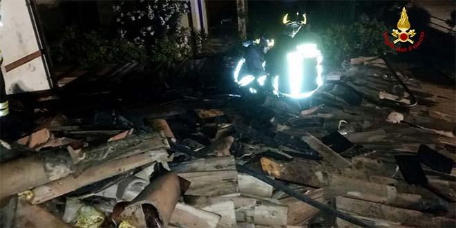 Monticello Conte Otto, a fuoco il tetto di una villetta - Vicenzareport