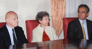 Il cda della Fondazione Roi nel giorno dell'insediamento. Da sinistra: Ilvo Diamanti, Giovanna Grossato e Andrea Valmarana