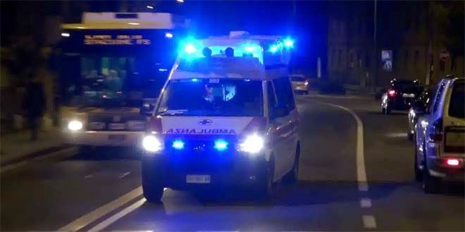 Auto fuori strada, muore un ragazzo di 18 anni