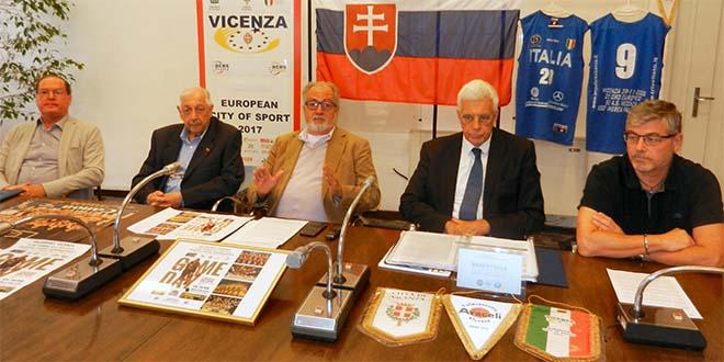 Un momento della presentazione del match Venezia-Bratislava