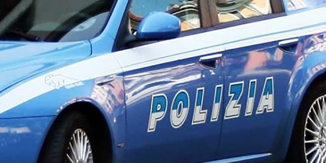 Accoltellato un uomo per strada. Arrestato 25enne