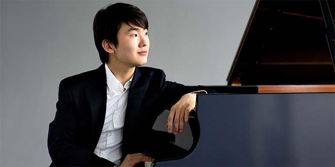 Il giovane pianista coreano Seong-Jin Cho