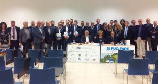 I sindaci e i vertici di Acque Vicentine al termine dell'assemblea
