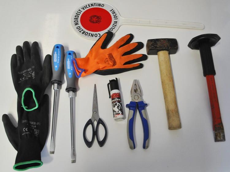 Il materiale sequestrato dagli agenti