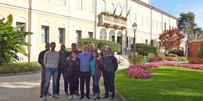 Il sindaco di Thiene, Casarotto, e l'assessore Zorzan con i rappresentanti dei Comitati di quartiere in carica