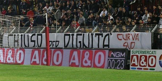 I tifosi del Vicenza chiedono chiarezza (Foto tratta dalla pagina Facebook della Curva Sud)