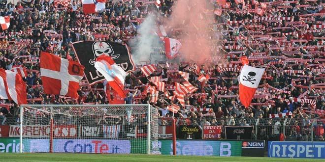 La Curva sud dello Stadio Menti, in una partita dello scorso campionato, in Serie B