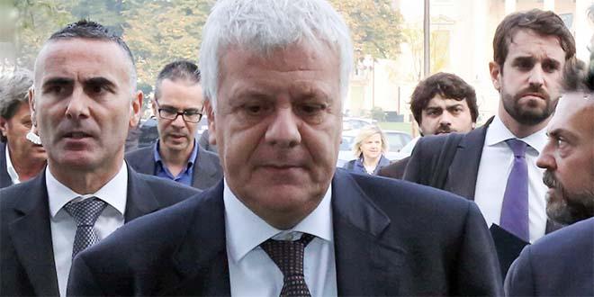 Il ministro dell'ambiente Galletti, questa mattina, al suo arrivo in Fiera di Vicenza