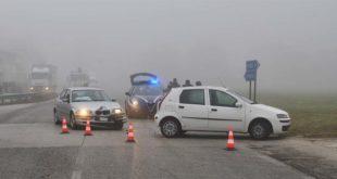 Thiene, due auto si scontrano nella nebbia. Due feriti