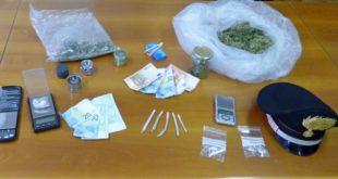 Parte del materiale sequestrato ieri dai carabinieri di Marostica