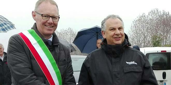 Il sindaco di Bressanvido Giuseppe Bortolan e il presidente di Acque Vicentine Angelo Guzzo