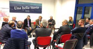 Giacomo Possamai con i sindaci dell'hinterland di Vicenza