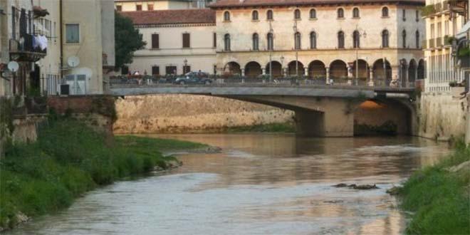 Cicero, dai vasi sul ponte al Parco della Pace