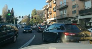 La situazione del traffico, stamattina, in viale del Sole, a Vicenza