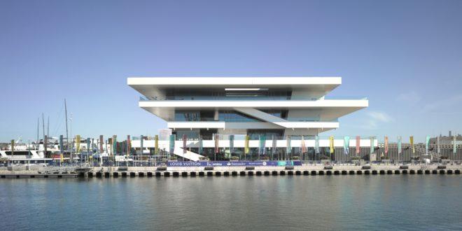 L'America's Cup Building di Valencia, edificio progettato dall'architetto David Chipperfield