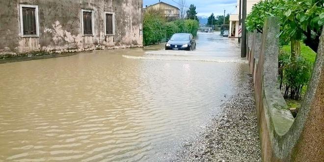 La situazione in strada Cul de Ola dopo le intense piogge del febbraio 2016