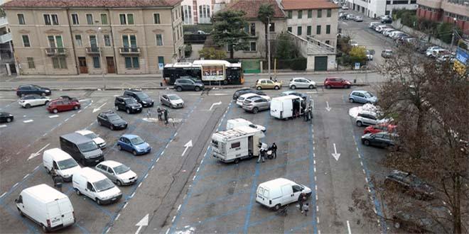 Vicenza, proteste per il bivacco di nomadi in città