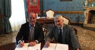 Il presidente della Regione Veneto Luca Zaia (a sinistra), e il rettore dello Iuav, Alberto Ferlenga
