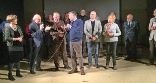 Un momento della premiazione dei vincitori, la compagnia Teatroinsieme di Zugliano