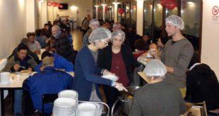 Il servizio mensa a Casa Santa Lucia, struttura della Caritas vicentina