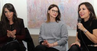 Da sinistra: Ilaria Rebecchi, che moderava l'incontro, Lucia Annibali e Daniela Sbrollini