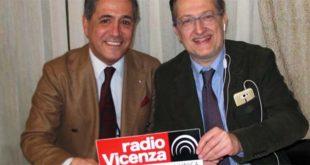 A sinistra, Giorgio Conte, assieme al direttore di Radio Vicenza Francesco Brasco