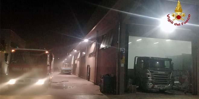Noventa, incendio in una azienda meccanica