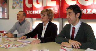 Da sinistra: il segretario Cgil Giampaolo Zanni con Laura Portinari e il segretario organizzativo Giancarlo Puggioni