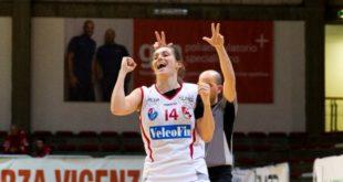 13 punti (con 3/4 da tre) per Francesca Santarelli contro Cagliari