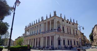 Palazzo Chiericati si trova in piazza Matteotti, a Vicenza