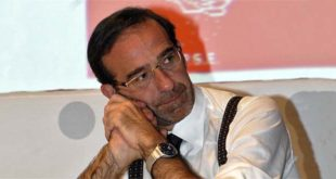 Riccardo Nencini - Foto di Stefano Casubaldo (CC BY-SA 2.5)