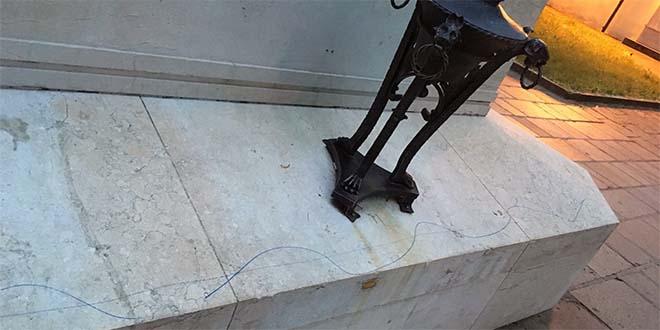 Arzignano, vandalismo sul monumento ai caduti