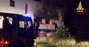 Vicenza, furioso incendio in una abitazione