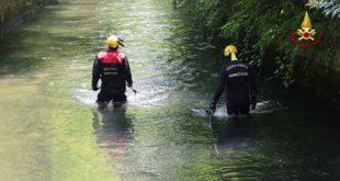 Bassano, bimbo muore cadendo in un canale