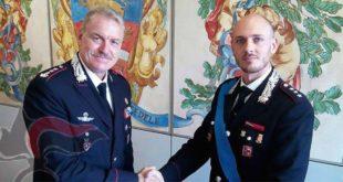Da sinistra, il colonnello Alberto Santini con il capitano Jacopo Mattone, nuovo Comandante della Compagnia di Schio